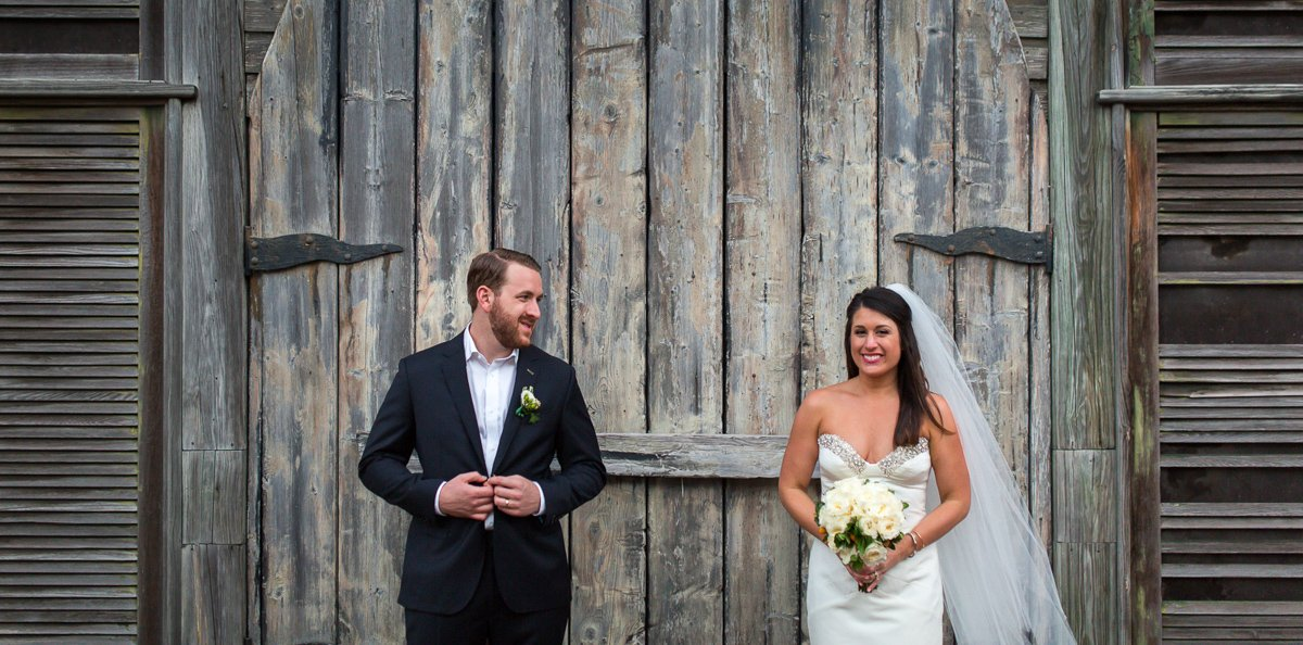 wedding couple in front of shipwreck museum in key west florida