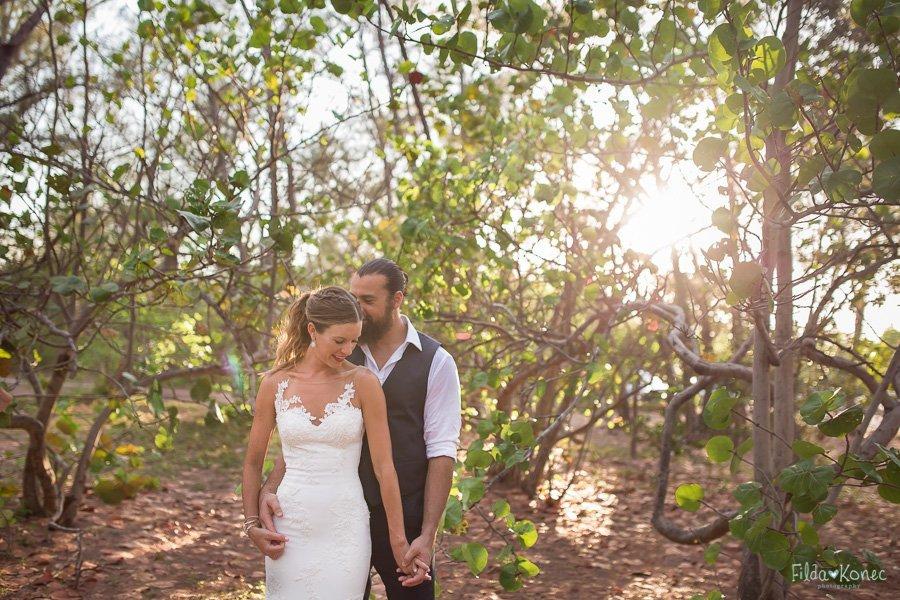 florida keys wedding on the beach and bride and groom wedding
