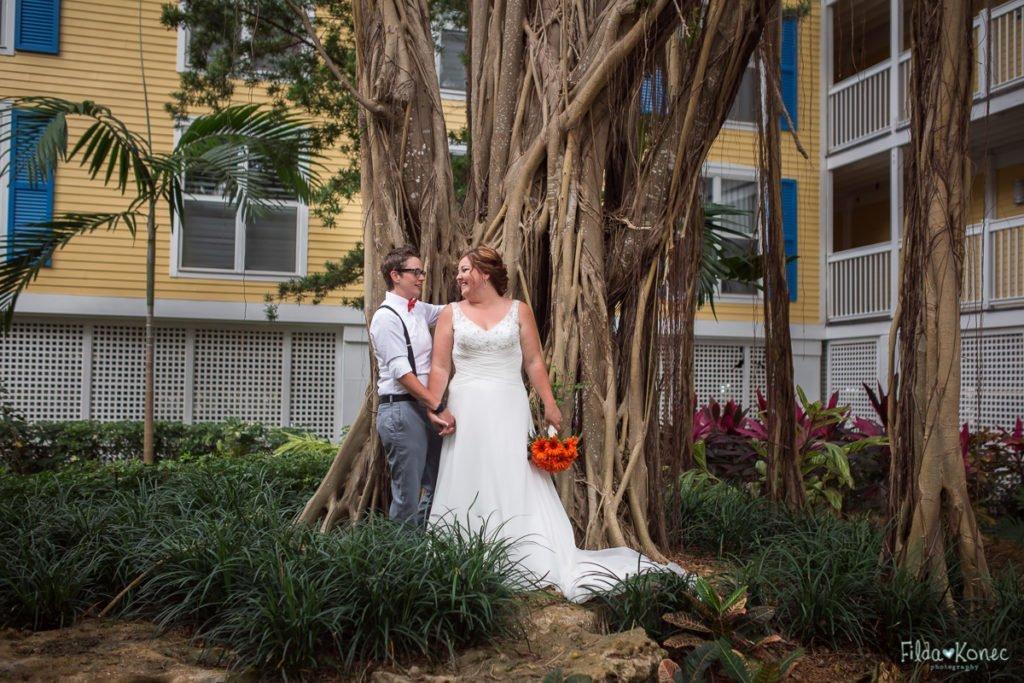 wedding couple at banyan tree at sheraton suites