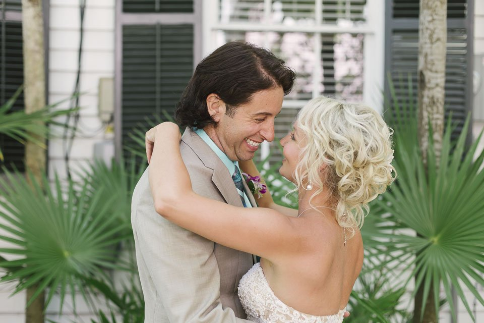 first look at old manor wedding in key west
